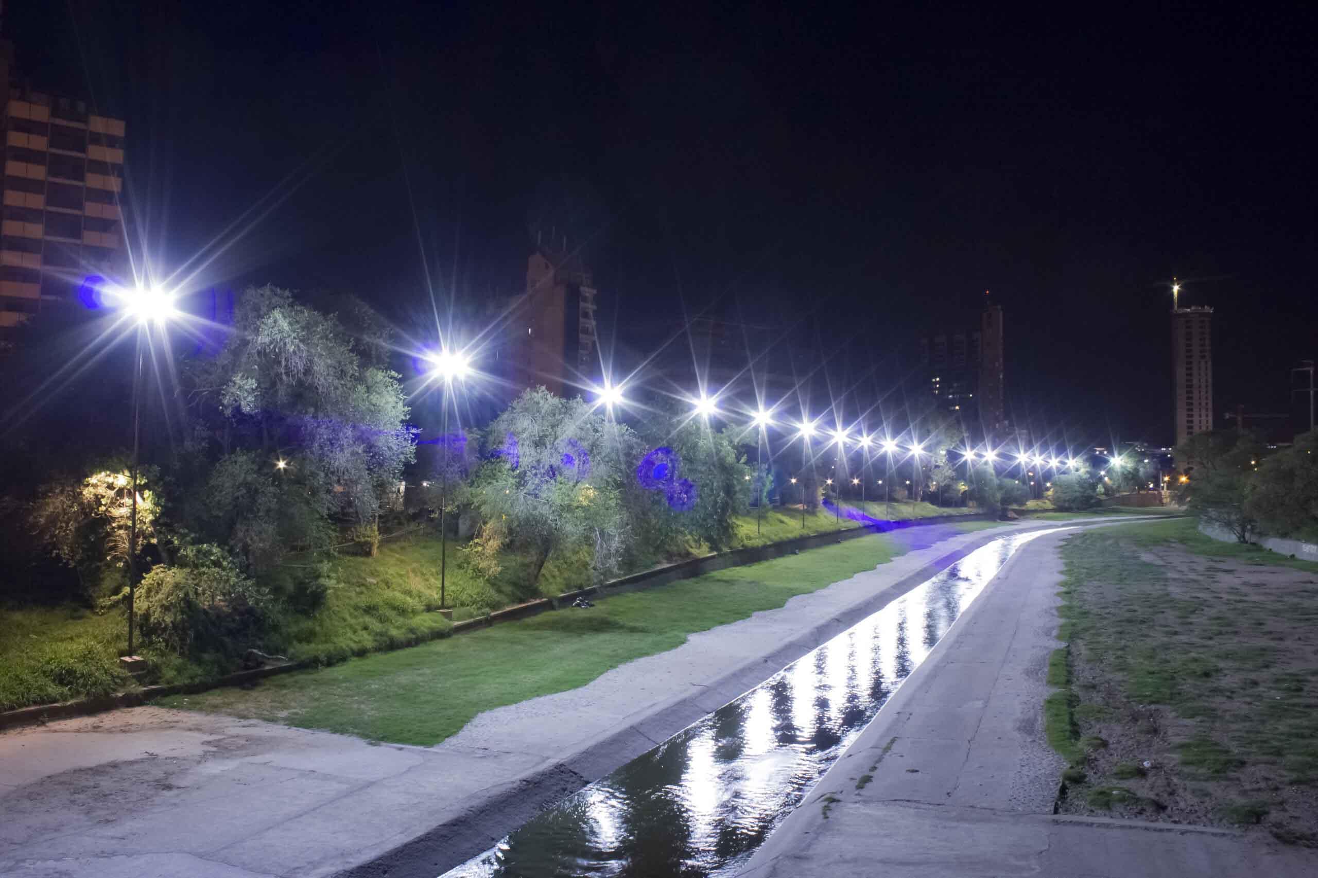 Iluminación Parque lineal Río Suquía y Av. Costanera