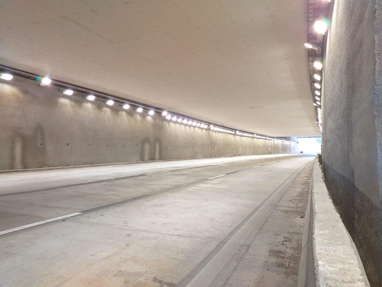 Túnel Mujer Urbana