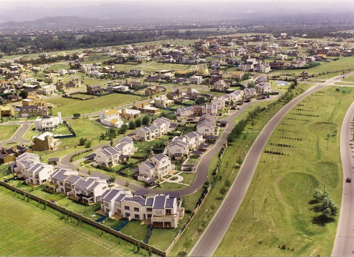 Urbanización Valle Escondido